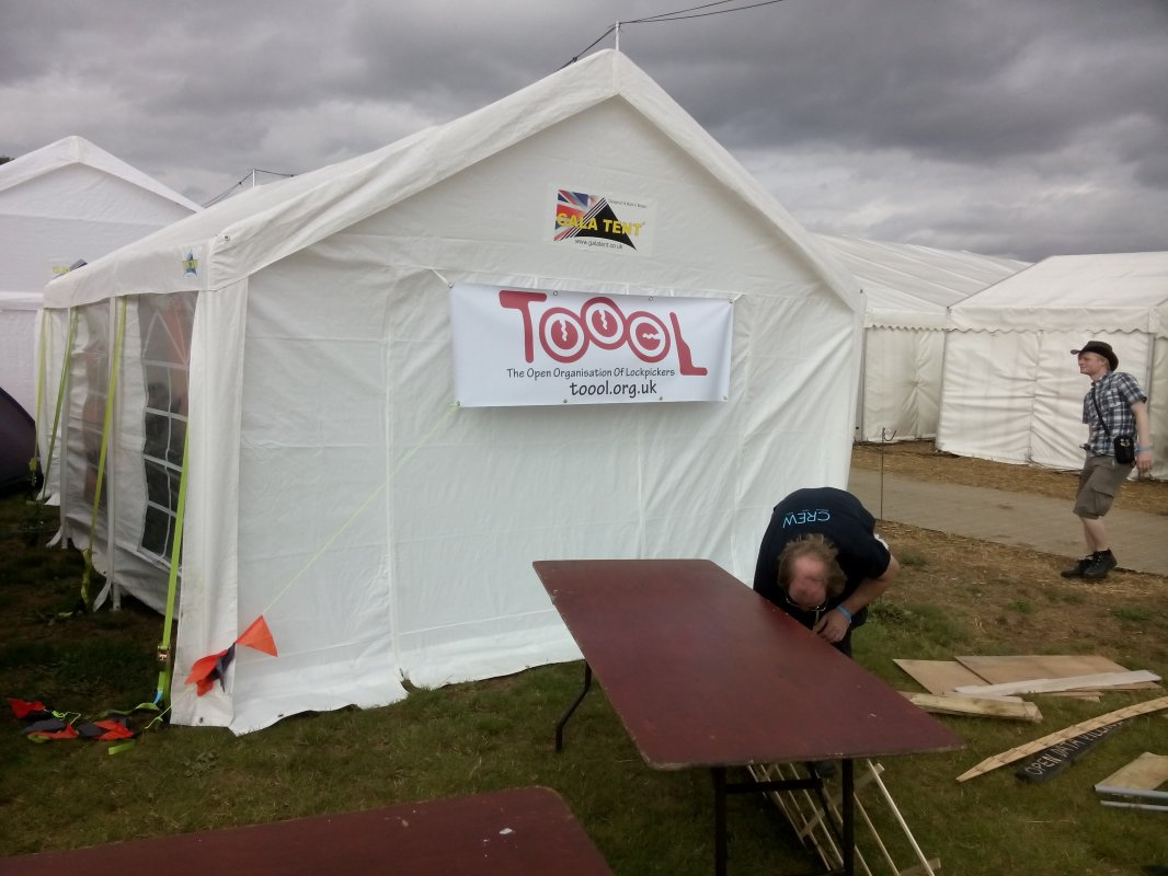 Lockpickers tent